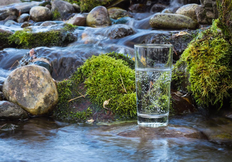 quellwasser, fluss, reines gesundes wasser, vorderstoder, urlaub, kneipp, entschlacken, detox