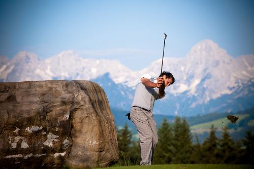 g-aktivurlaub-golf-golfplatz-golfschlaeger-ausleihen-vorderstoder