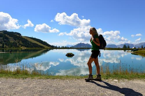 g-aktivurlaub-wandern-see-spaziergang-walken-nordic-walking-oberoesterreich-vorderstoder