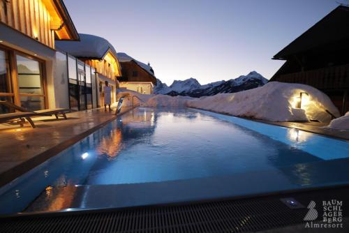 g-baumschlagerberg-wellness-schnee-pool-sauna-winter-whirlpool-draussen