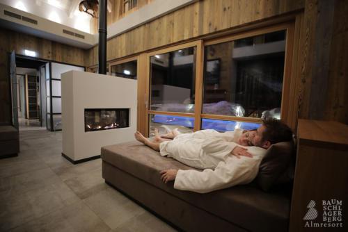 g-baumschlagerberg-wellness-stimmung-romantik-nacht-winter-sauna-ruheraum-chillen