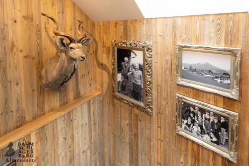 g-panorama-chalet-deko-aufgang-hirsch-famlie-berger-familiengeschichte-tradition