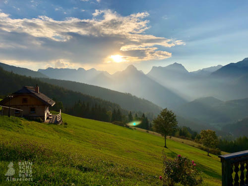 g-panorama-hutte-berge-oberoesterreich-upper-austria-mountain-hiking-holiday