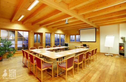 g-seminarhuette-seminarraum-berge-ruhe-stille-luxus-firmenvorstellung-portfolio